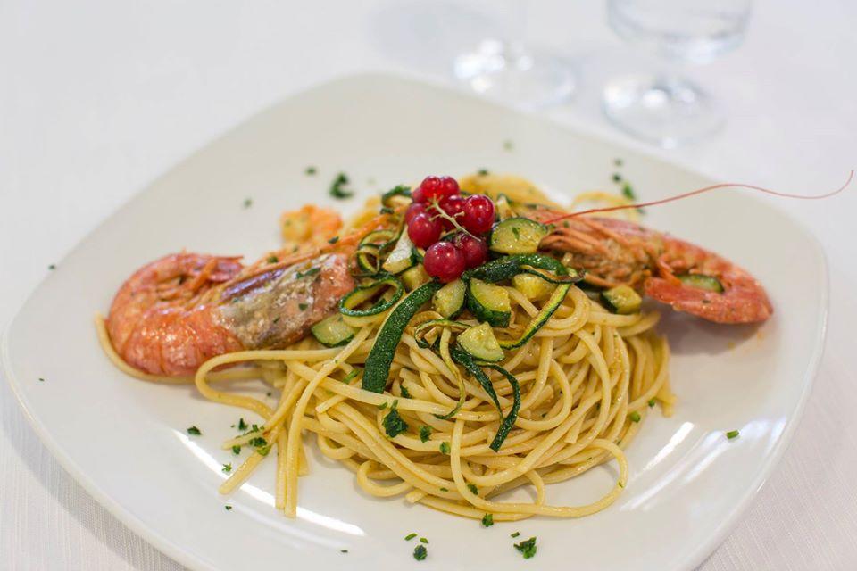 Cucina napoletana - Linguine gamberoni e zucchine
